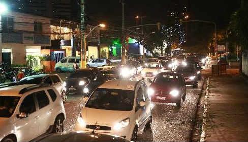 Avenida Leonardo Cavalcanti, em Casa Forte, terá trânsito alterado Foto - Bernardo Dantas DP/D.A.Press