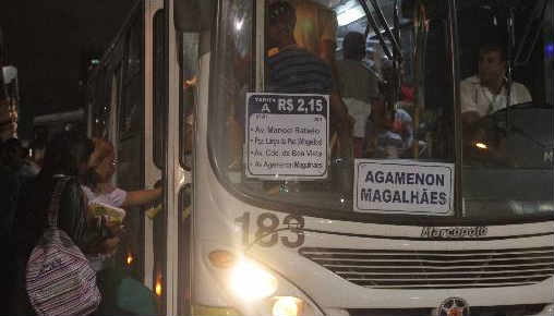 Ônibus que circulam no Grande Recife deverão sofrer reajuste nas passagens Foto - Roberto Ramos DP/D.A.Press