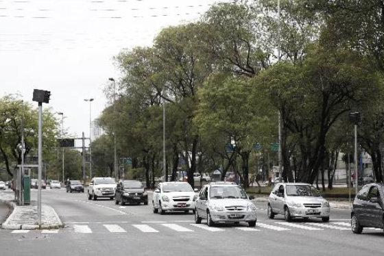 Radar eletrônico na Avenida Agamenon Magalhães Foto: Blenda Souto Maior DP/D.A.Press