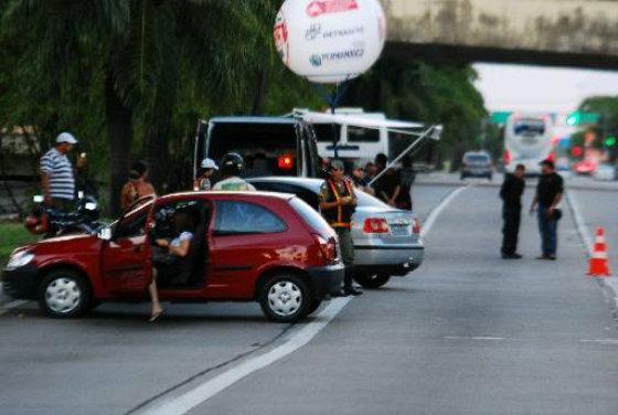 Operação Lei Seca na Avenida Agamenon Magalhães, Recife. Foto -Paulo Paiva DP.D.A.Press