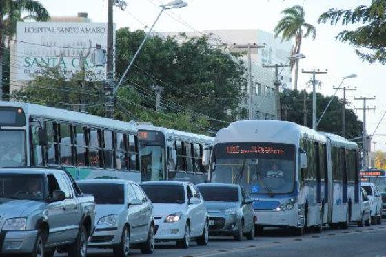 Corredor BRT na Avenida Cruz Cabugá com velocidade de 4km/h Foto- Aline Soares Especial DP/D.A.Press