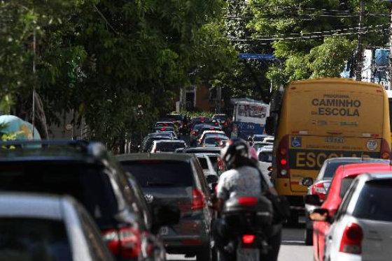 Recife registra velocidade de 11km/h a 12km/h nos horários de pico. Foto - Júlio Jacobina DP/D.A.Press