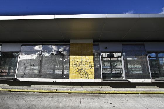 Estação São Francisco, ainda não foi inaugurada e já  se encontra pichada. Foto - Paulo paica DP/D.A.Press