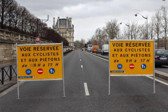 Prefeitura de Paris decidiu fechar para os carros a área central da cidade nos finais de semana Foto : Reprodução/Blog Mobize Europa