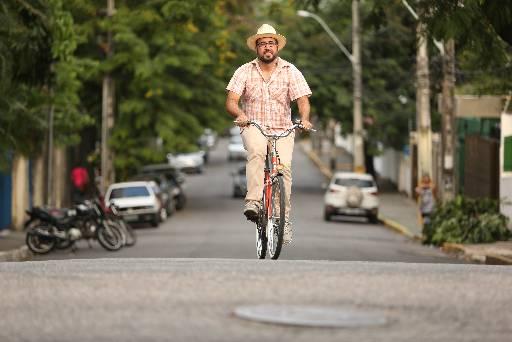 Cezar Martins, cicloativista defende melhoria na infraestrutura Foto Hesiodo Goes - DP/D.A.Press