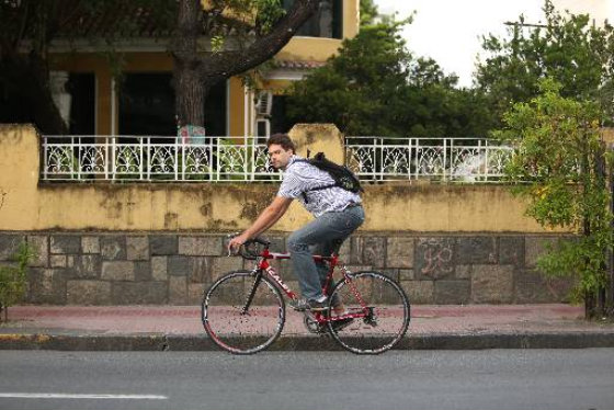 Tomás Aquino também usa a bicicleta para os deslocamentos Foto Hesiodo Goes DP/D.A.Press