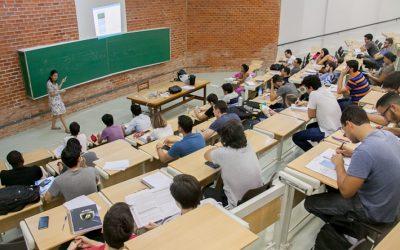 Aumenta número de brasileiros das classes C e D concluintes de curso superior