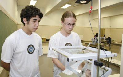 Jovens da América Latina e Caribe confiam em seu futuro profissional, diz OIT