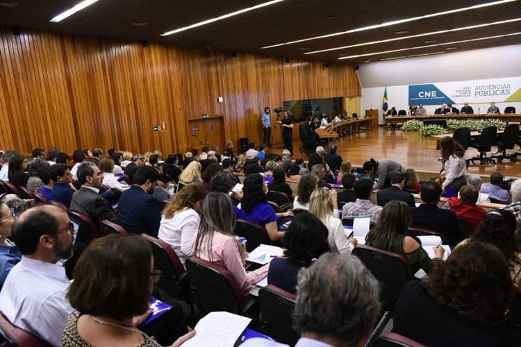 Base curricular da educação brasileira deve ser definida até dezembro