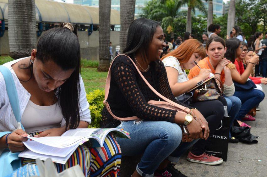 Pelo segundo ano, projeto pretende ajudar mães que querem fazer o Enem