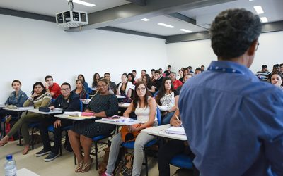 MEC determina volta às aulas presenciais no ensino superior a partir de janeiro