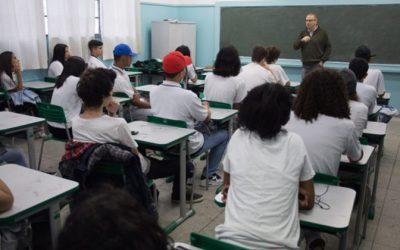 Especialistas analisam propostas dos presidenciáveis para educação