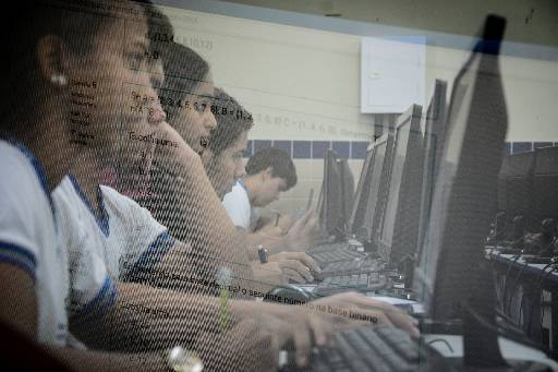 Governo prevê internet em 100% das escolas urbanas em 2020