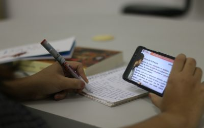 Novas tecnologias de estudo para o Enem incluem ajuda de robô por celular