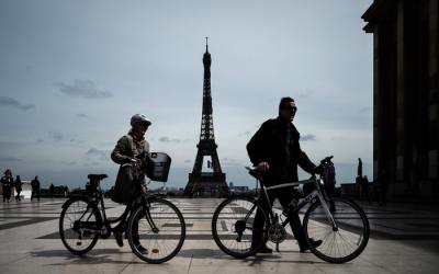 Em novo 'lockdown', França e Alemanha mantêm escolas abertas