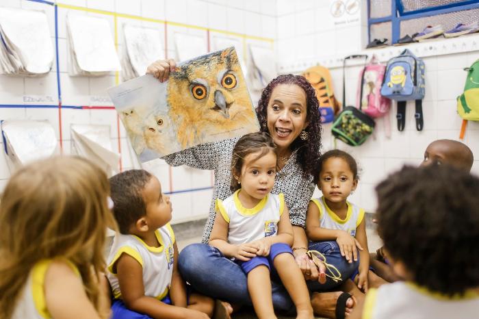 Aberta a votação do Educador Nota 10; professora do Recife é finalista