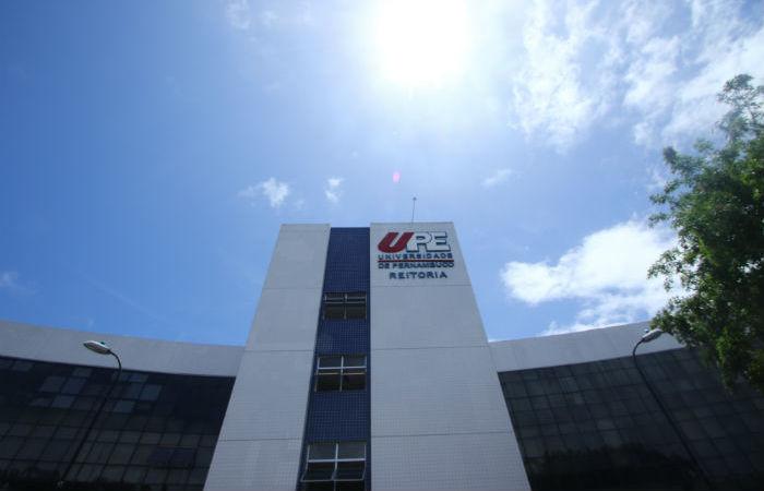 UPE lança o Pré-vestibular Solidário