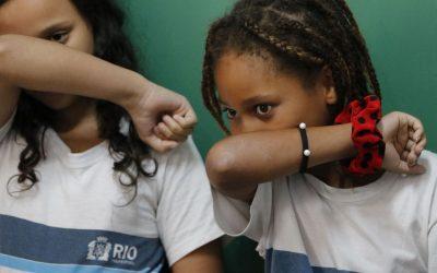 Mais de 20% das crianças estão em escola sem saneamento