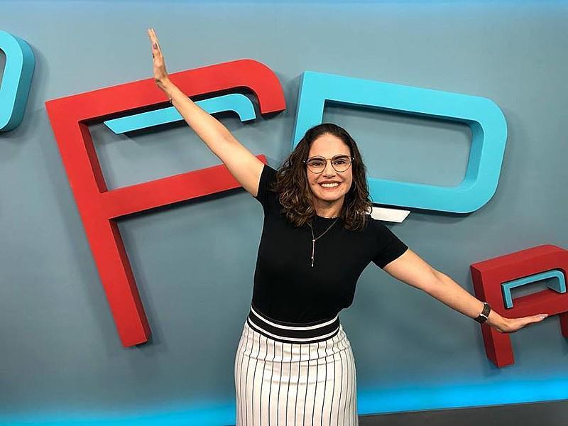 Fernanda Pessoa promove aulão gratuito de redação