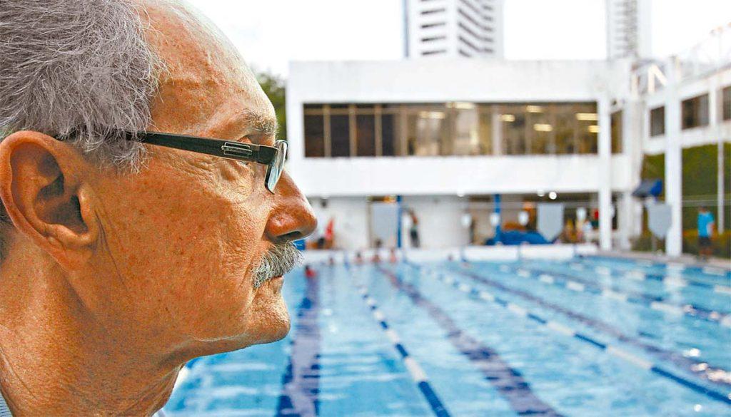 João Reinaldo, o Nikita, foi o primeiro atleta nordestino a participar de uma edição dos Jogos Olímpicos na natação - Foto: Ricardo Fernandes/DP