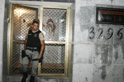 Morte aconteceu no prédio da vítima, em Boa Viagem. Foto: Nando Chiappetta/DP/D.A/Press