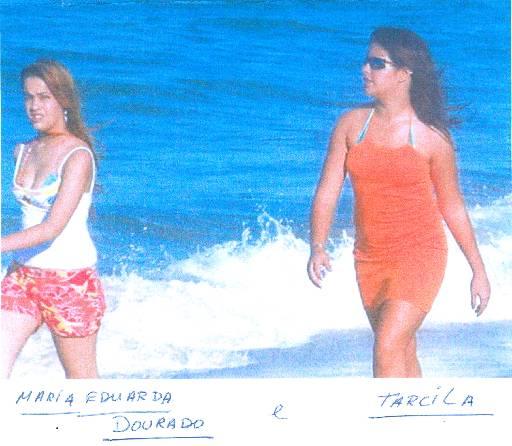 Adolescentes foram fotografadas por um amigo na praia. Crédito: Divulgação