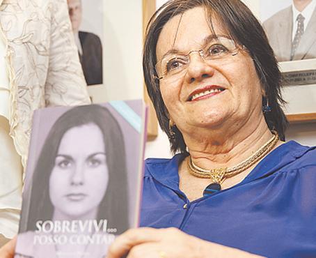 Maria da Penha esteve no Recife para lançar livro. Foto: Blenda Souto Maior/DP.D.A Press