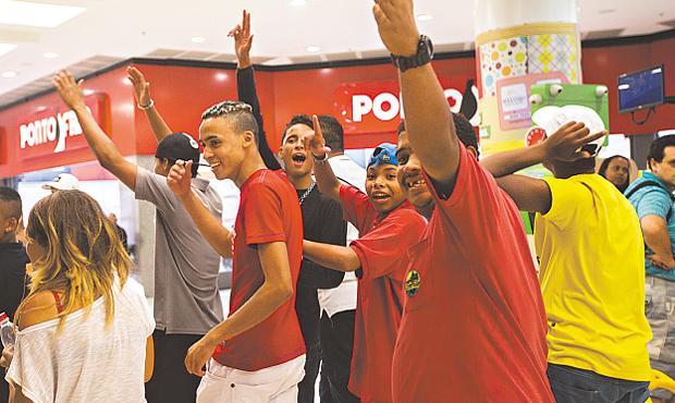 Atos se tornaram frequente em São Paulo e devem chegar no Recife. Foto: Apu Gomes/FolhaPress