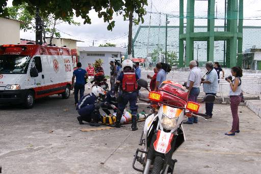 Chamadas falsas atrapalham atendimento às vítimas. Foto: Wagner Oliveira/DP/D.A Press
