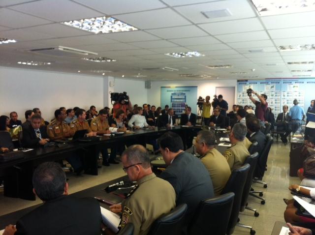 Cobranças de redução de crimes são feitas nas reuniões do Pacto pela Vida. Foto: Wagner Oliveira/DP/D.A Press