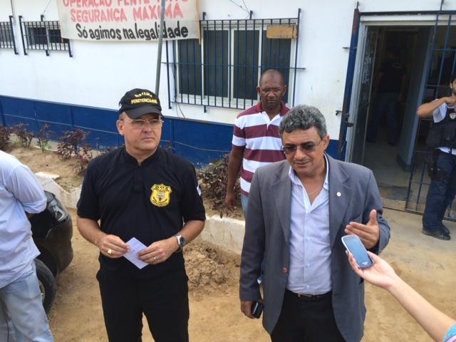 Secretário Romero Ribeiro e promotor Marcellus Ugiette passaram o dia na PAISJ