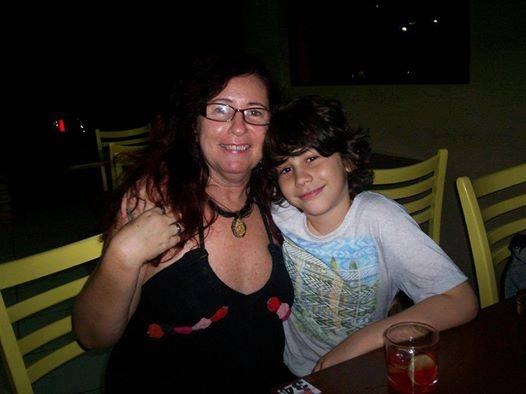 Sandra e o filho Icauã foram mortos a facadas pelo companheiro dela. Foto: Reprodução/Facebook