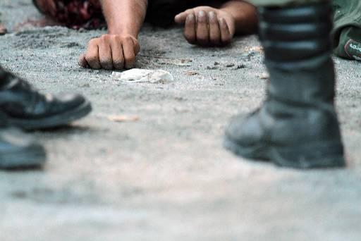 Vítima foi assassinada por volta das 12h dessa sexta-feira. Foto: Annaclarice Almeida/DP/D.A Press