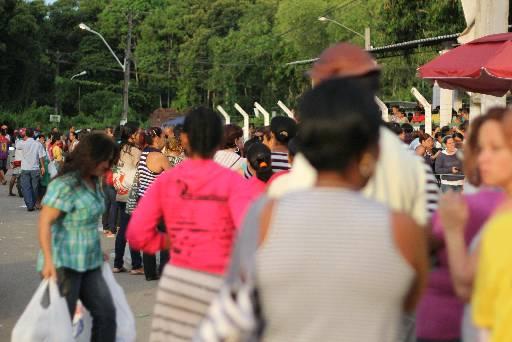 Filas de mulheres costumam ser longas nas unidades. Foto: Bruna Monteiro/DP/D.A Press