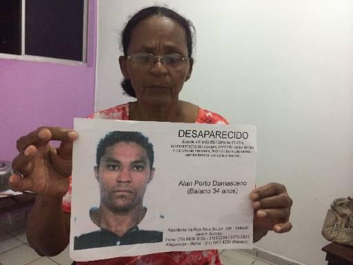 Francisca quer levar corpo do filho para Bahia. Wagner Oliveira/DP/D.A Press