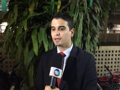 Ricardo de Albuquerque defende o médico Cláudio Gomes
