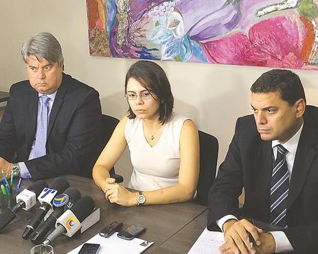 Carla Azevedo contou que o marido e Cláudio Gomes tinham divergências. Foto: Wagner Oliveira/DP/D.A Press