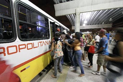 Assédio costuma acontecer em meios de transporte. Foto: Annaclarice Almeida/DP/D.A Press
