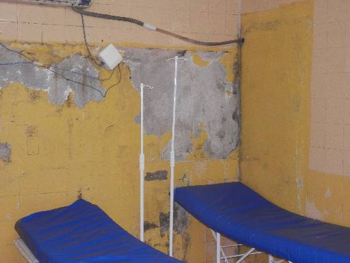 Sala de atendimento na unidade prisional é precária