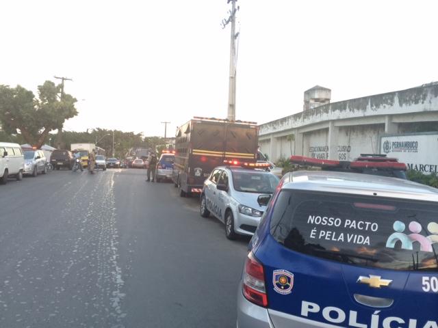 Tráfego na Avenida Liberdade chegou a ser fechado. Várias viaturas da PM estavam no local