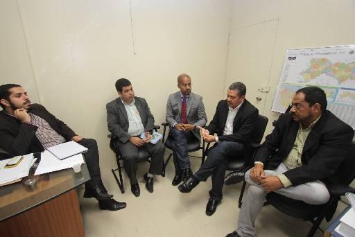 Deputado recebeu conselheiros em seu gabinete. Foto: Roberto Ramos/DP/D.A Press