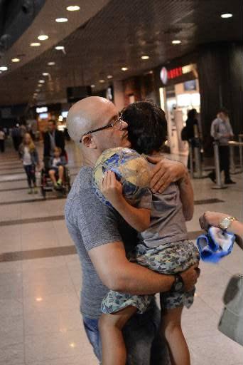 Francilewdo voltou para o Ceará com o filho de seis anos. Foto: Joao Velozo/ Esp. DP/ D. A Press