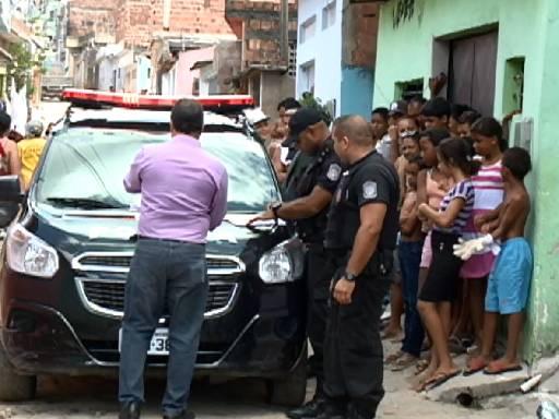Crime aconteceu no bairro do Ibura, na Zona Sul do Recife. Fotos: TV Clube/Reprodução
