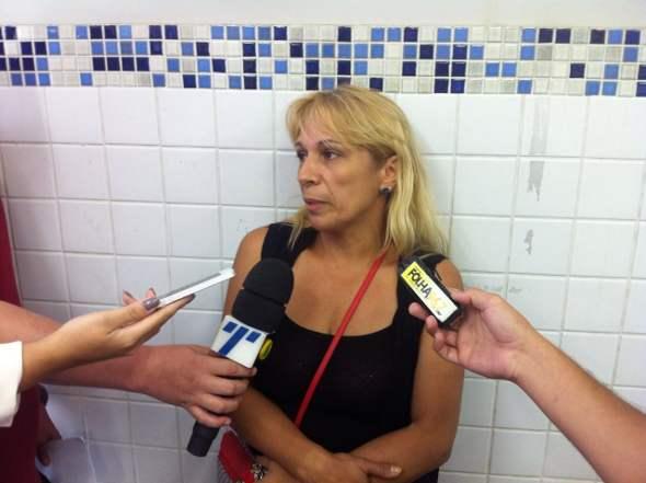 Maria José de Arruda falou com a imprensa no DHPP. Foto: Wagner Oliveira/DP/D.A Press