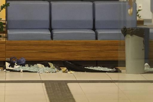 Porta do Banco do Brasil foi destruída com um tiro