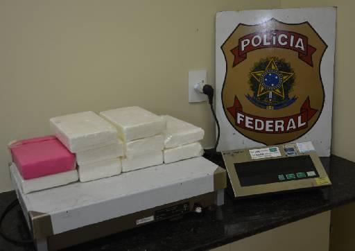 Quase 12kg de cocaína foram encontrados na embarcação