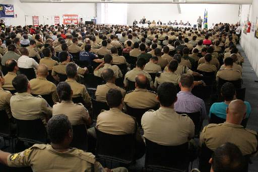 Audiência reuniu centenas de pessoas. Foto: Ivaldo Reges/Agencia IR Fotos