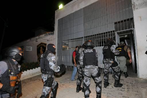 PMs estiveram na unidade prisional. Foto: Edvaldo Rodrigues/DP/Arquivo
