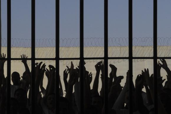 Prisões brasileiras abrigam mais de 600 mil pessoas, 61% acima de sua capacidade Wilson Dias/Agência Brasil
