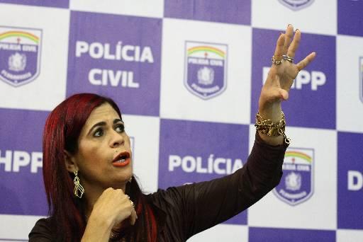 Gleide Ângelol em coletiva no DHPP. Foto: Paulo Paiva/DP